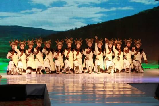 我校服装设计专业学生在黑龙江省首届北方少数民族服饰设计大赛中荣获